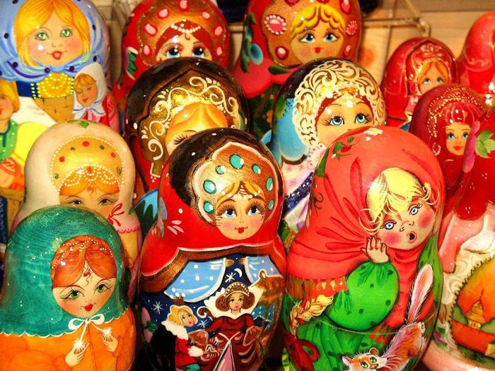 عروسک روسی ماتریوشکا